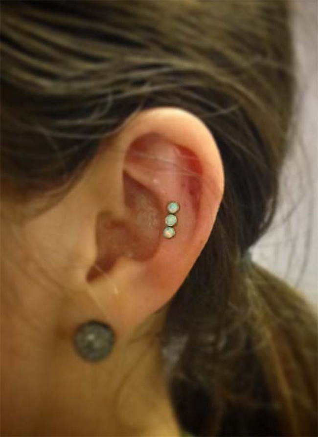 how to change forward helix piercing for first time