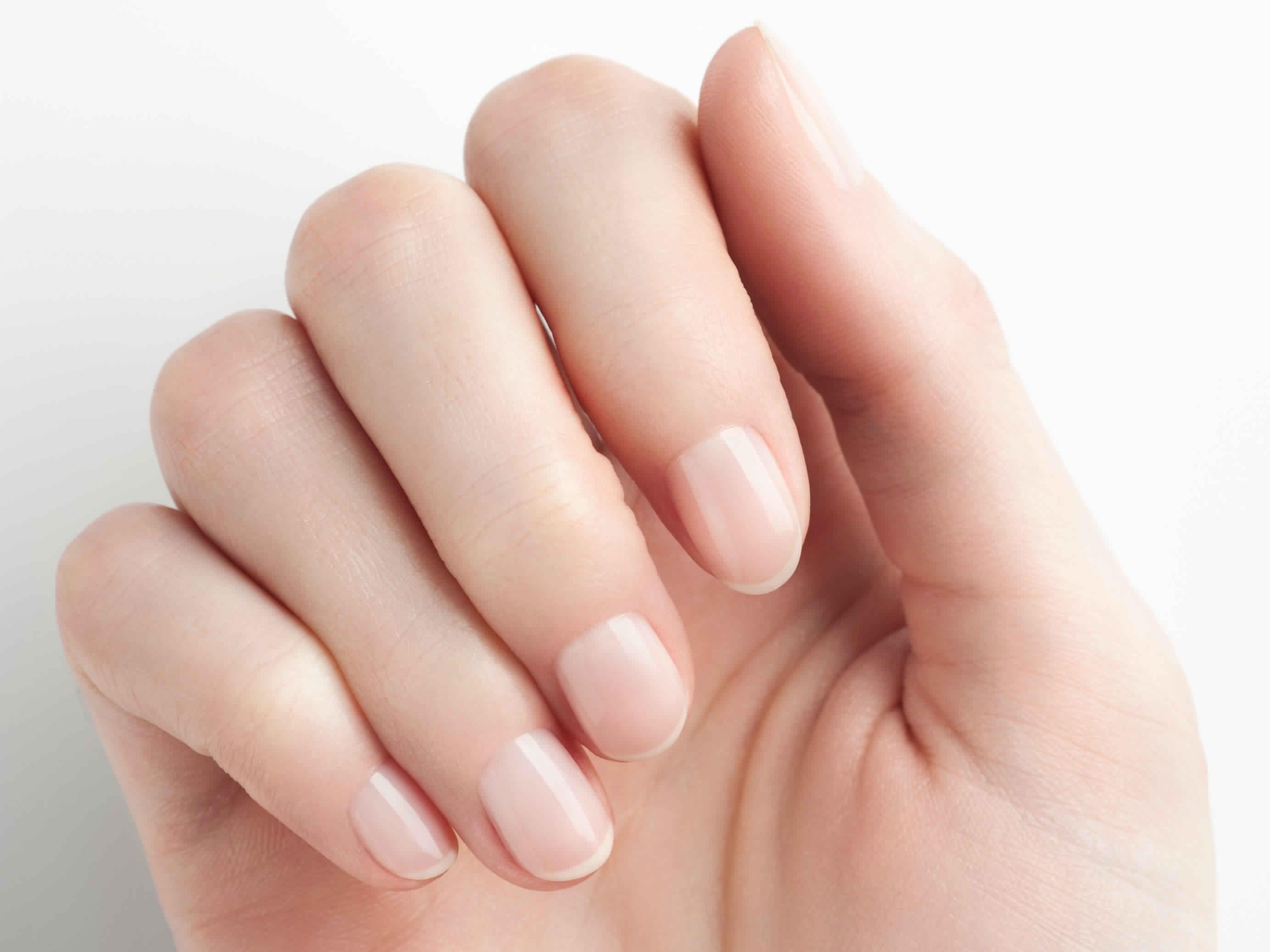 5 Tips for applying nail polish | Mr Mrs Magazine
